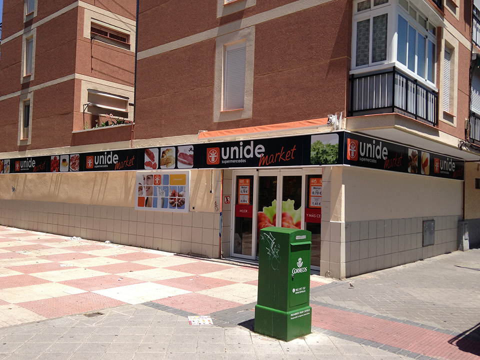 montaje_tiendas_unide_02
